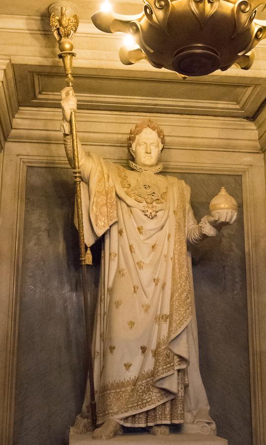 Les Invalides - statue Napoleon